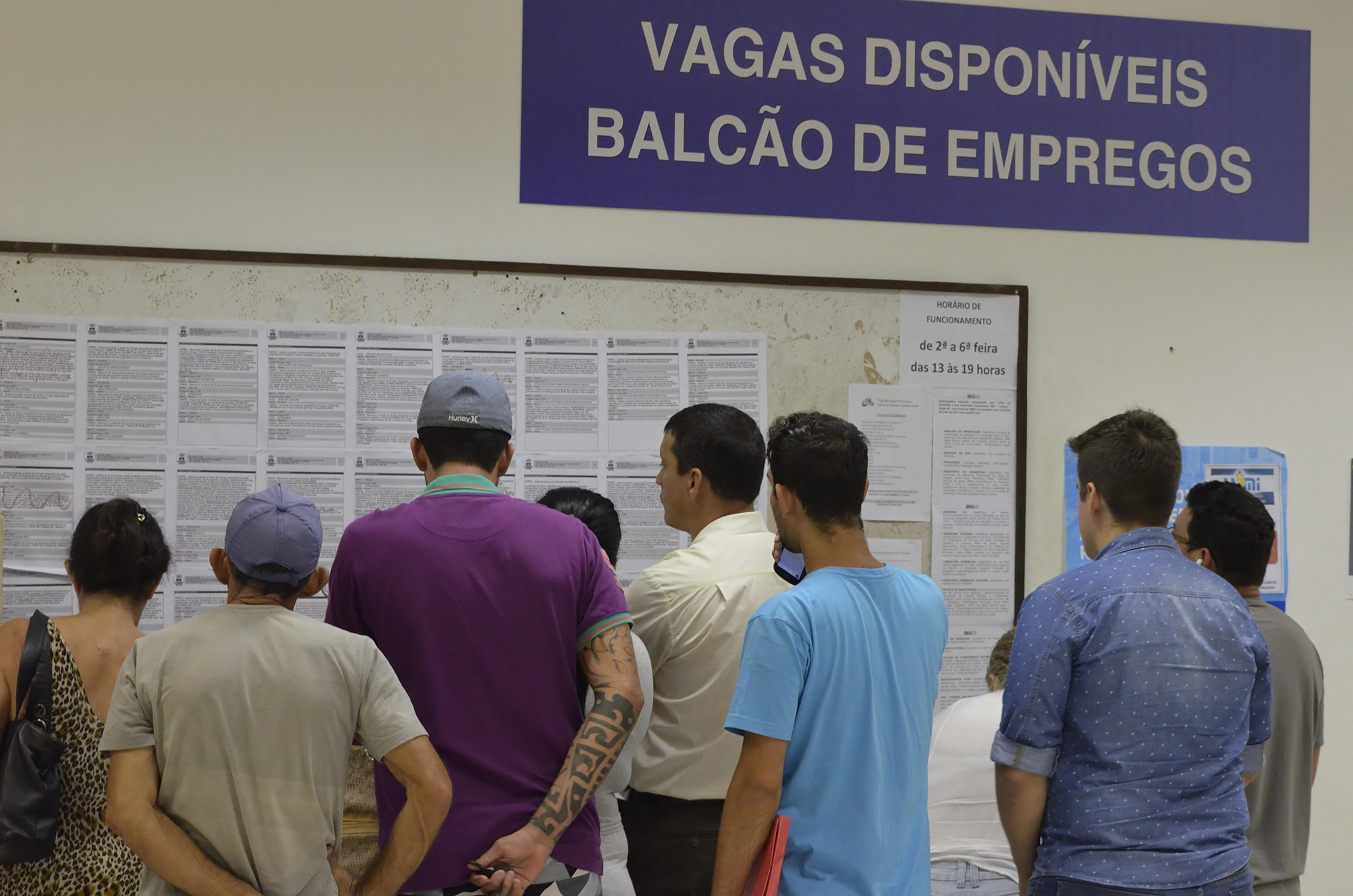 Balc O De Empregos De Itaja Oferece 167 Vagas Essa Semana