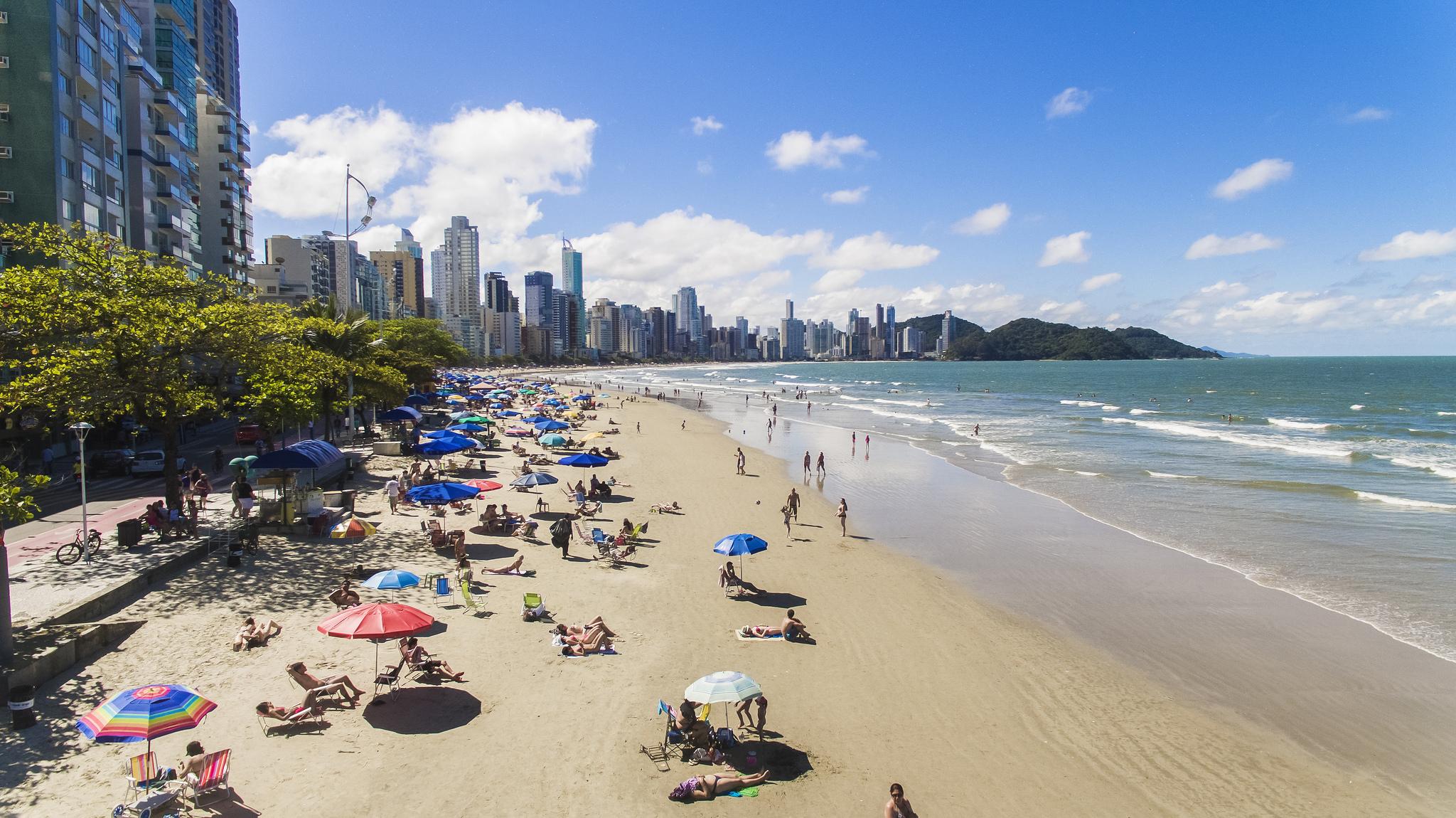 Resultado de imagem para Praias em Balneario Camboriu